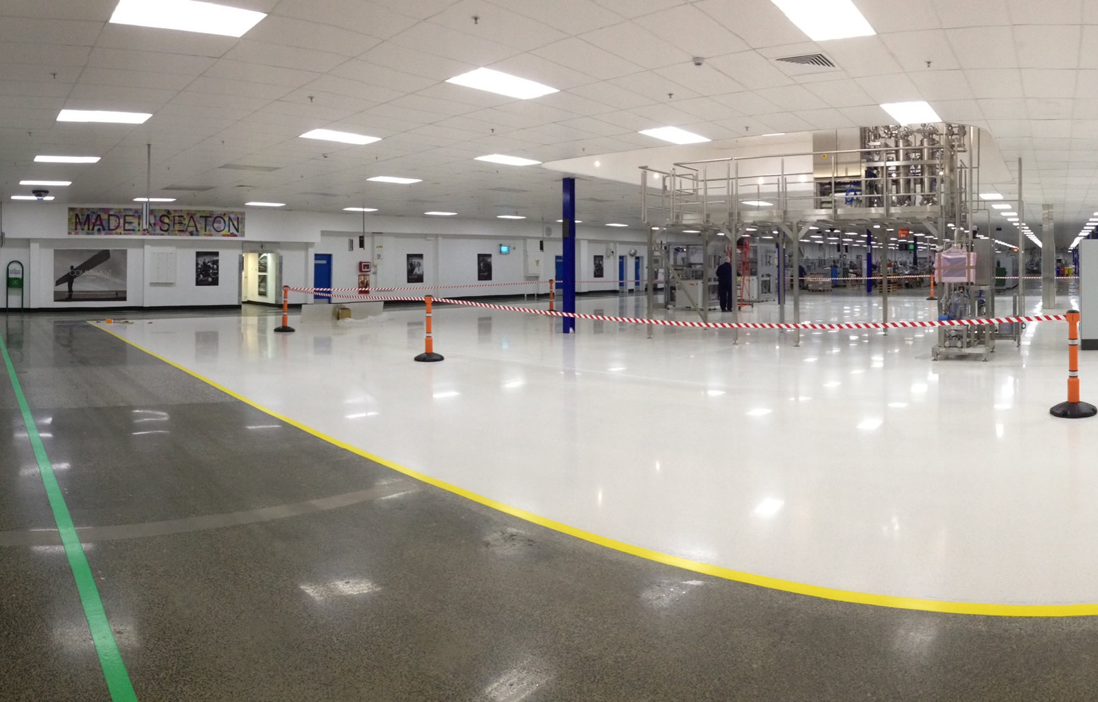 Procter & Gamble warehouse - Seamless white terrazo mix - Seamless white terrazo mix