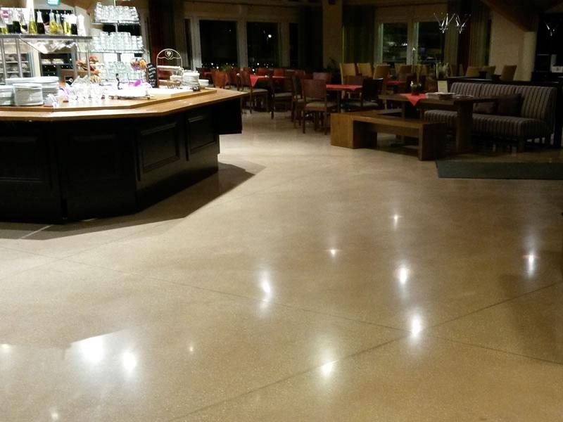 Restaurant & coffee shop – Finland - Joint-free floor