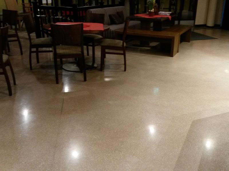 Restaurant & coffee shop – Finland - Joint-free floor.